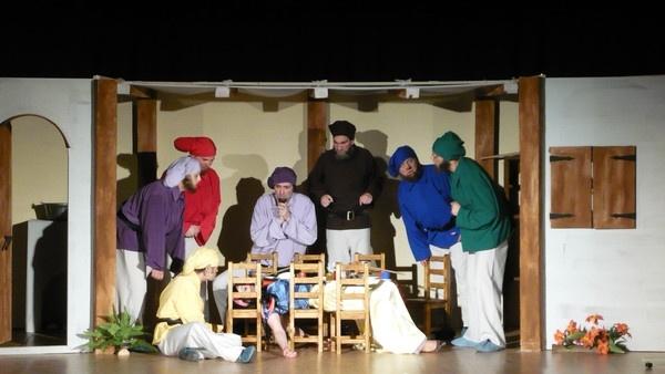 Holdvilág Kamaraszínház: Hófehérke és a hét törpe - Fotó forrása: Holdvilág Kamaraszínház