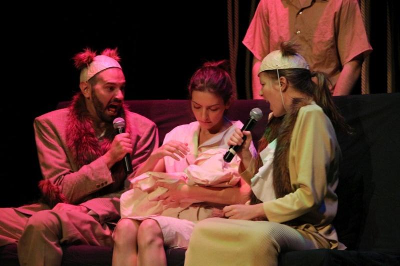 Táp Színház: Babahajó - Fotó: Drucker Dávid (forrás: Trafó Kortárs Művészetek Háza)
