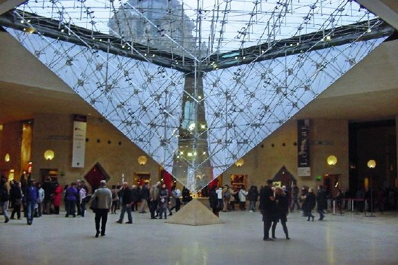 carrousel_du_louvre_Piramide